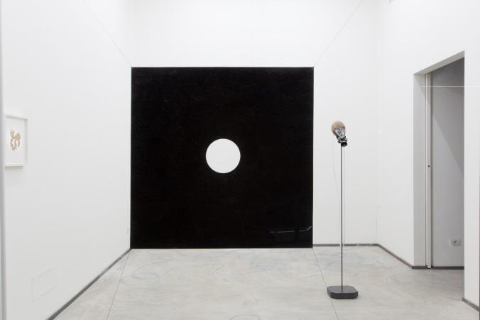 Santiago Reyes Villaveces, Spirit Level, Installation view