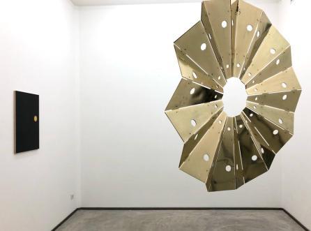 Santiago Reyes Villaveces, Sun Power, Installation view